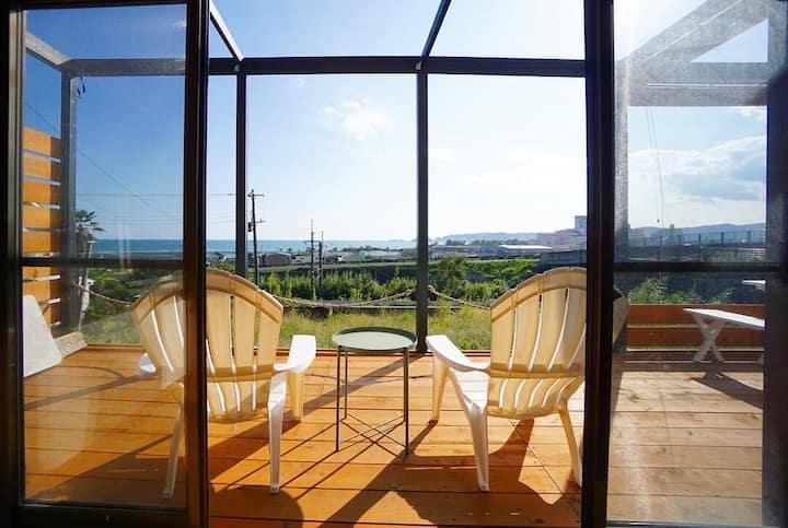 鴨川の美しい海一望の露天風呂、テラスでBBQ。 最大8人まで宿泊可能な1日1組限定の貸別荘。