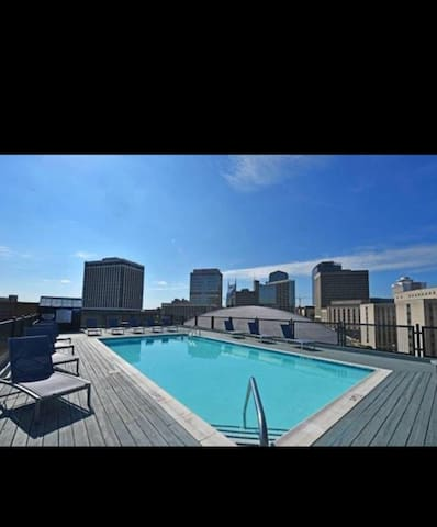 Extremely close to live music & fun!!roof top pool