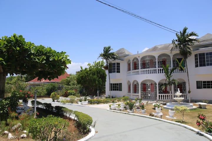 Villa Samuels All Stars White House
