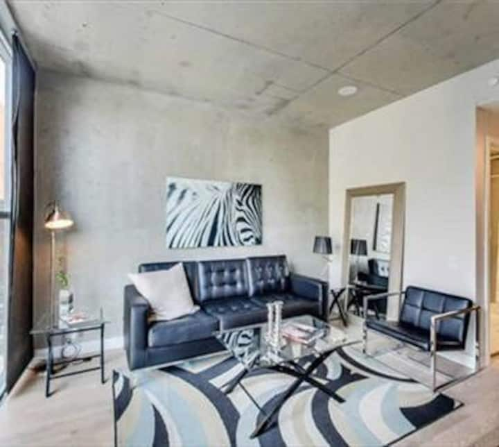 King west boutique loft condo junior one bedroom