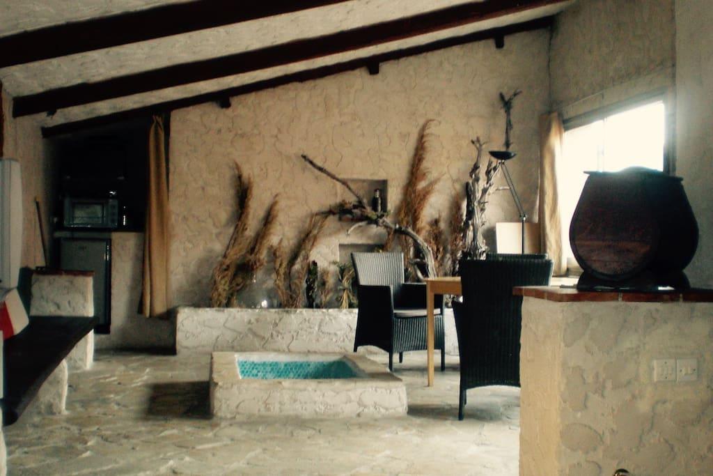 g te de l 39 glise 3e tage de ma maison de village for rent in gr oli res provence alpes c te. Black Bedroom Furniture Sets. Home Design Ideas