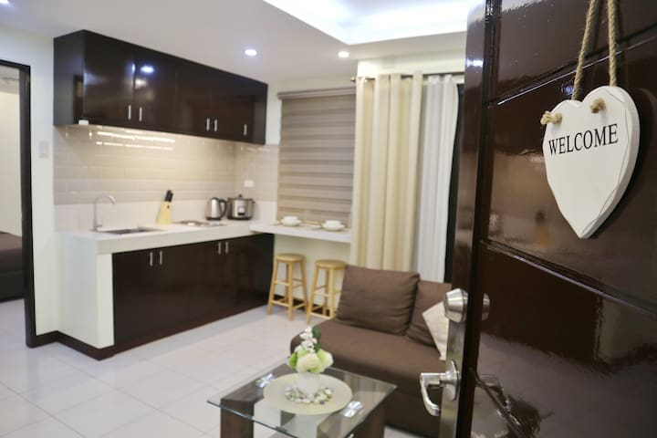 2BR Unit at Grace Park (WiFi+Netflix+Rent Videoke)