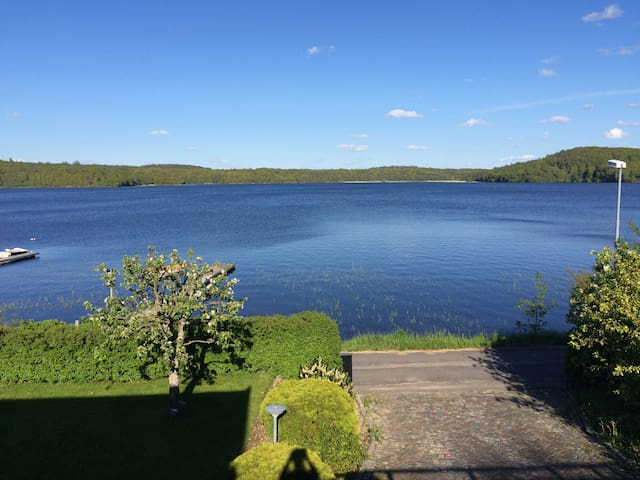 Perfect location with lake view, close to city