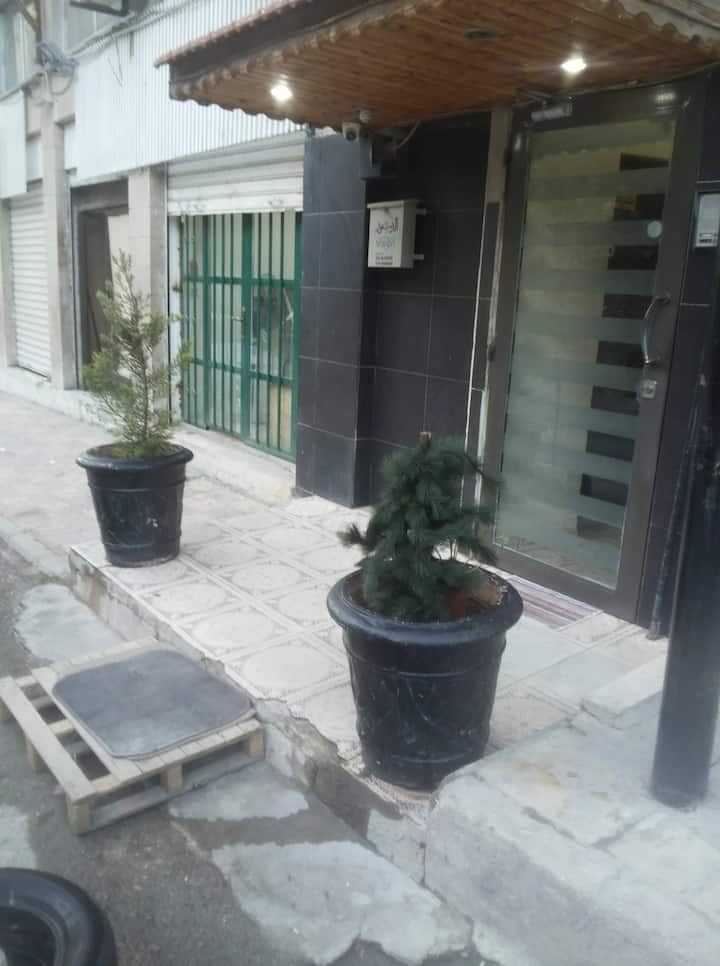 جبل عمان الدوارالثاني شارع هاني الشيباني 10ش31