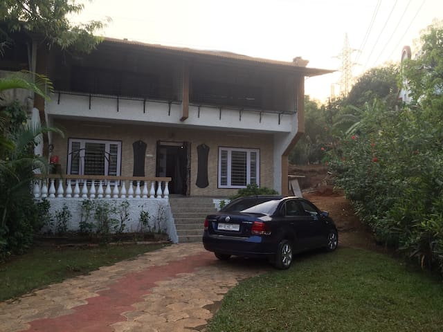 Cozy 3BHK Plunge Pool Home Near Della adventure. - Lonavala - Hus