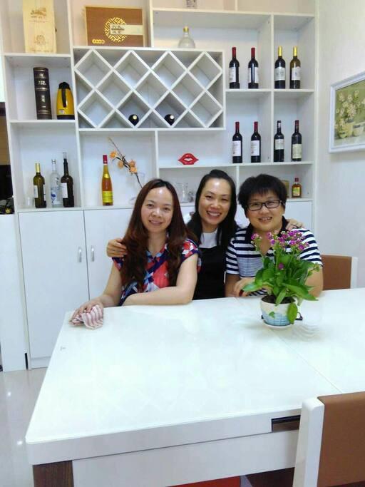 富有情调的酒柜餐厅是好姐妹好兄弟共品美酒,畅聊人生的独特空间