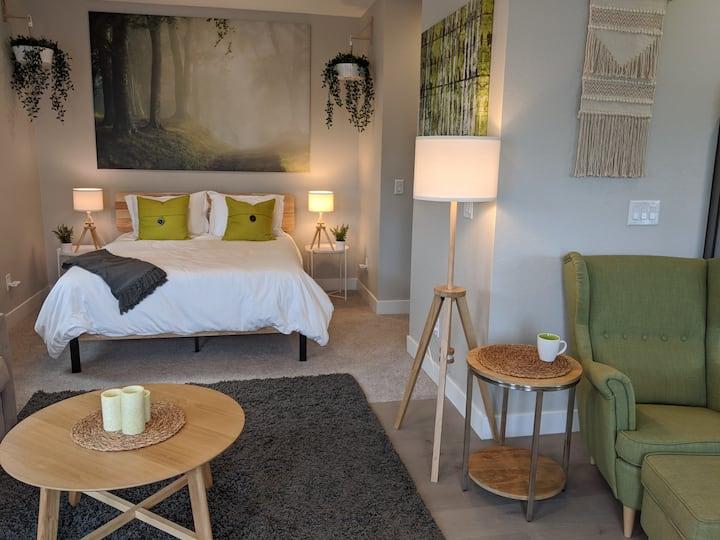 Serene Studio Retreat--home away from home!