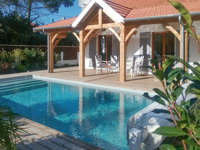 Cosy house w/ swimming pool - Soulac-sur-Mer - Huis