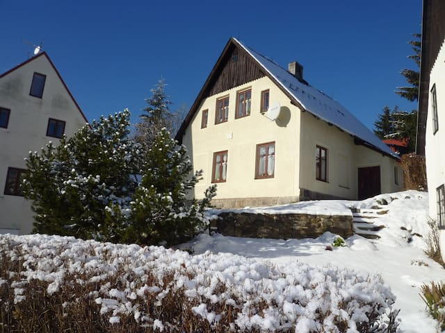 Emily House - your second home in Ore Mountains - Abertamy - Huis