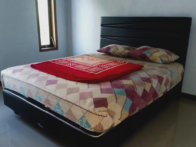 Tempat Tidur 1
