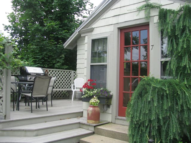 Desirable 3 BR InTown Bungalow loaded w/ amenities - Ogunquit - Huis