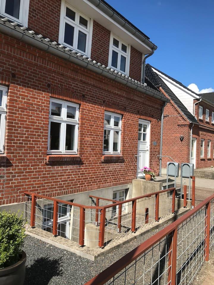 Central i Holstebro, med gå afstand til alt.