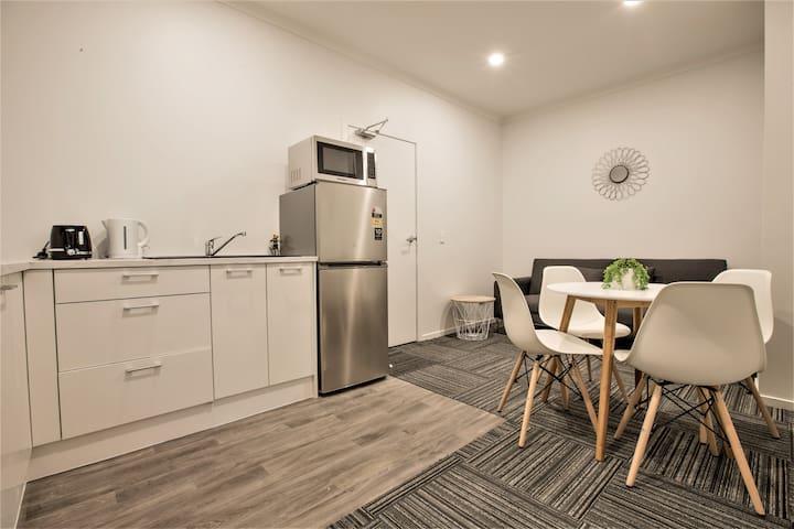 Holiday Rotorua- Modern Apartment