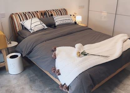 【多平台优选】新沂市南京路汉锦城北欧风温馨舒适又便捷公寓一套