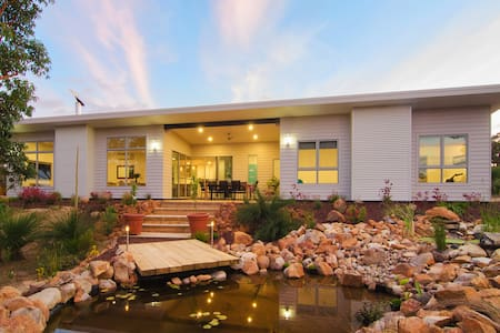 Private guest wing with two bedrooms - Eagle Bay - Haus