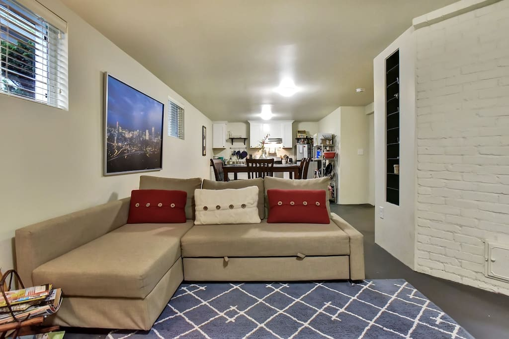 Spacious Living In Trendy Walkable Williams Apartments For Rent In Portland Oregon United