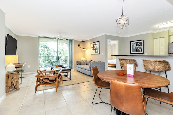 ☀ Dharma | Downtown Coral Gables | Lively 5 Star 2B + FREE PARKING  ☀