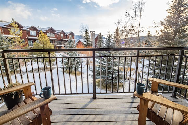 Lodge-style Condo in the Heart of Big Sky