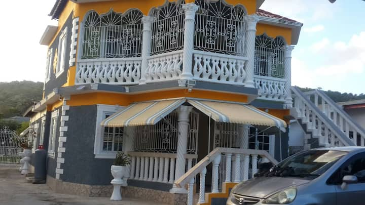 1 bedroom Modern, Cosy & Central in Port Maria