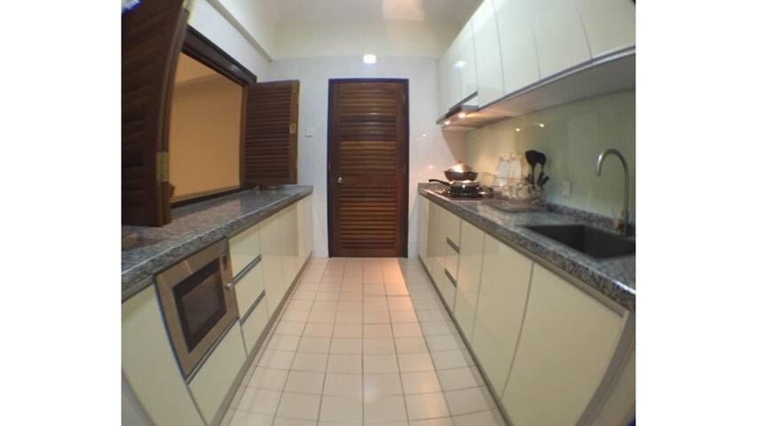 Spacious kitchen to prepare light meals