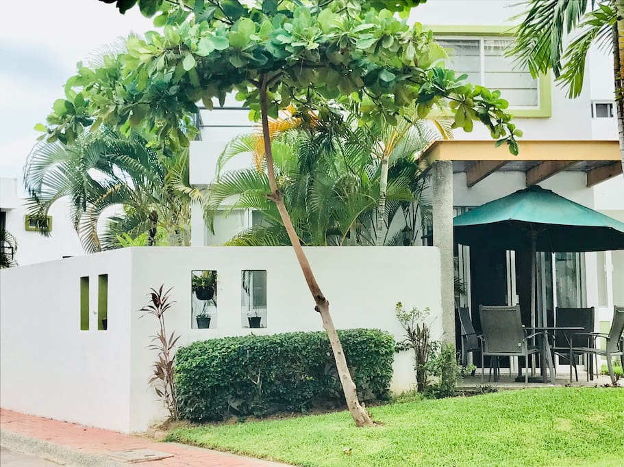 Your corner unit fabulous 3 bedroom vacation home awaits you