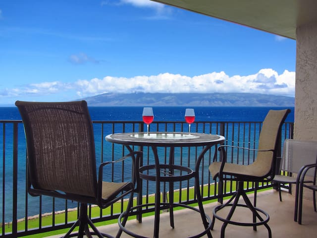 WOW! TRUE OCEANFRONT CONDO!