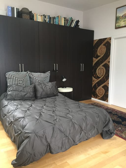 Beautiful duvet cover, and luxurious sheets
