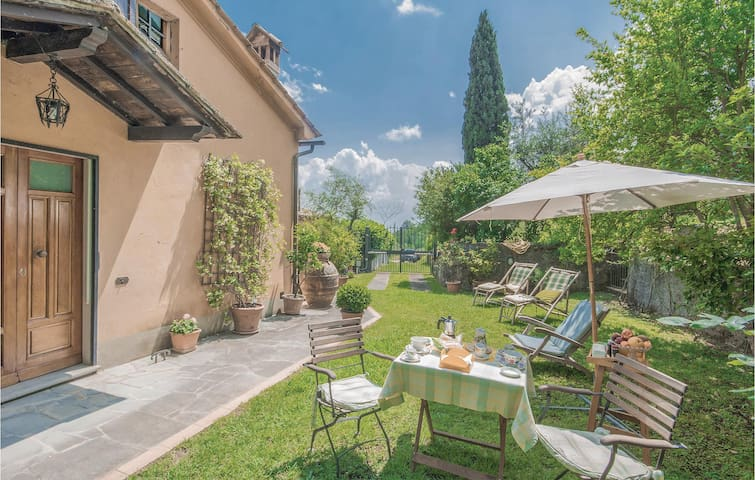 Semi-Detached with 2 bedrooms on 70m² in Pistoia PT