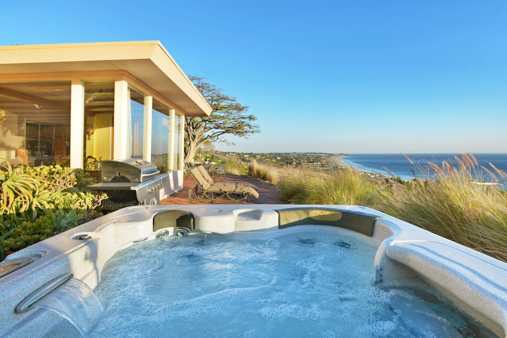 Watch the sun rise and set from the hot tub