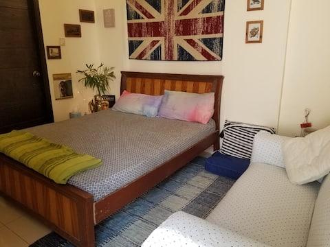 Stylish Queen Bedroom Condo w/BA Opp Seaview Beach