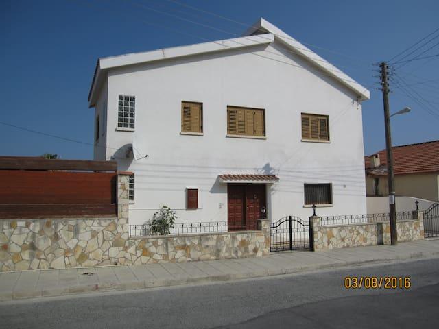 Galini  3 Bedroom Villa with Private Pool. - Pissouri - Villa