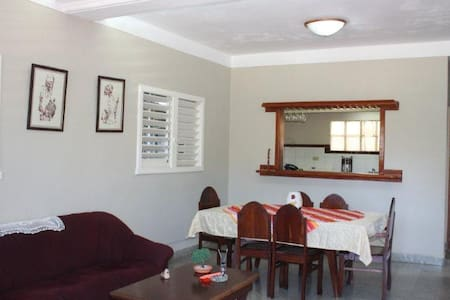 Montebarreto - Alfredo´s Room - Casa