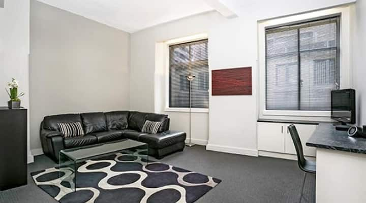 CLD01 - Sydney CBD Modern and Spacious Location