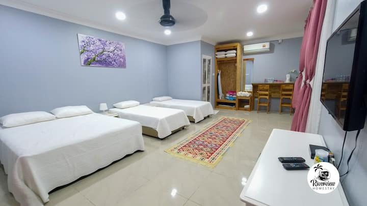 Riverview Homestay Perlis (sunset room)