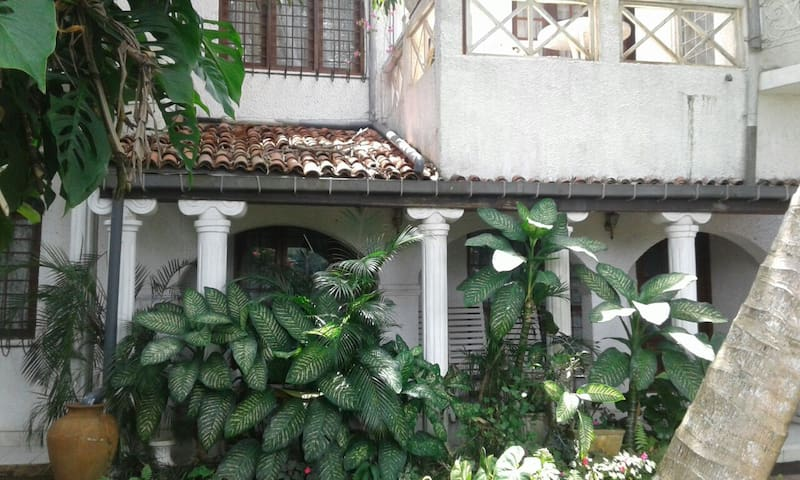 Discount Studio Apartment free wifi included - Kandy - Villa