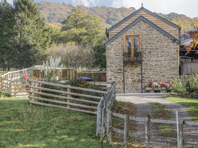 THE HAY LOFT, country holiday cottage in Craven Arms, Ref 963230
