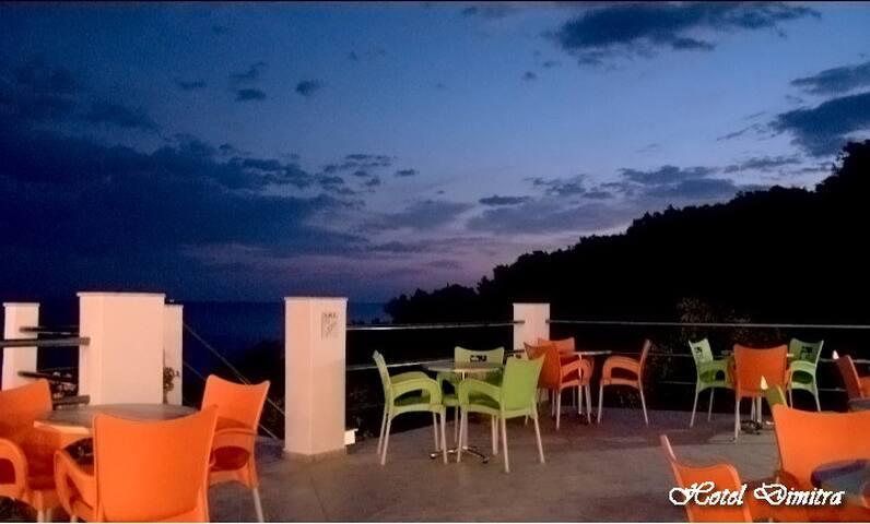 ΗΛΙΟΣ ΘΑΛΛΑΣΑ ΠΡΑΣΙΝΟ