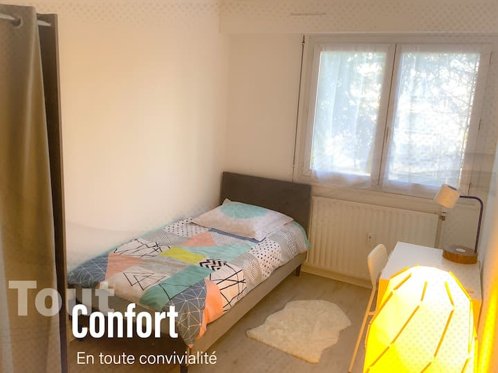 Chambre CONFORT + WIFI + N7 À 35 Min de Paris