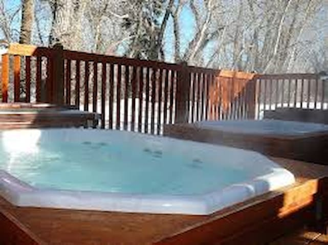 2 big hot tubs!