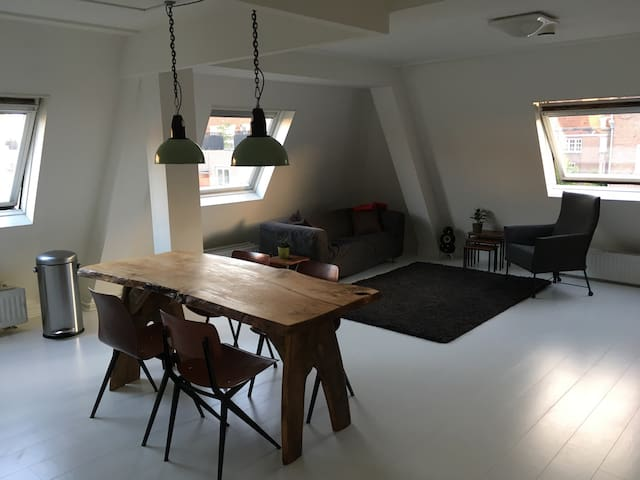 Light and modern mini-loft close to citycenter