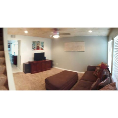 The Location is a lifesaver! - Indio - Apartment