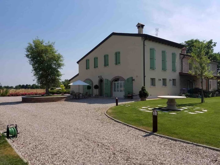 2/Appartamento vacanza in campagna /casa privata