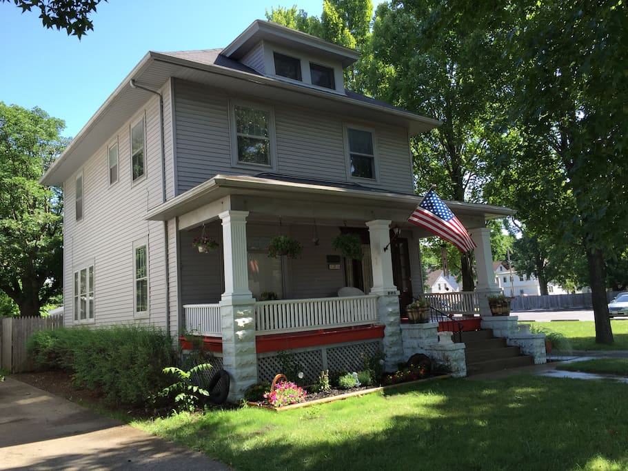 historic craftsman style boutique house houses for rent in springfield illinois united states. Black Bedroom Furniture Sets. Home Design Ideas