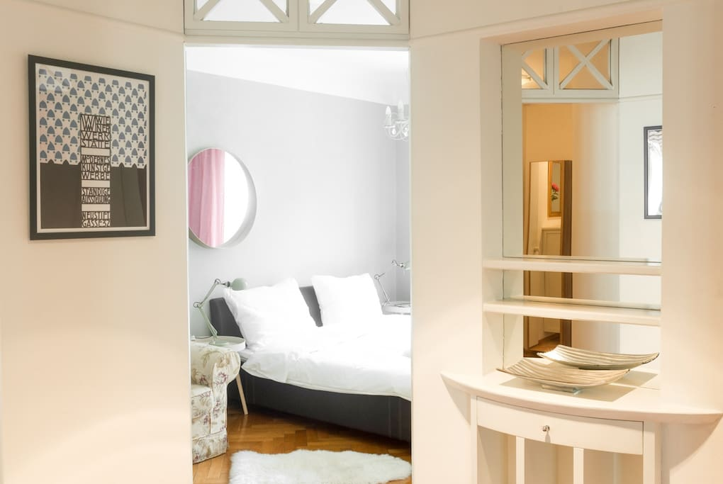 Master bedroom (180x200) with cot for infants