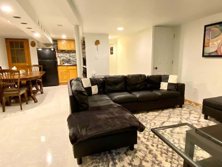 Comfy large 2 bedroom apt in bayridge BK NYC