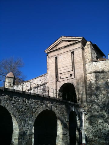 Vacances Insolites au Pont-Levis ! - Mont-Louis - House