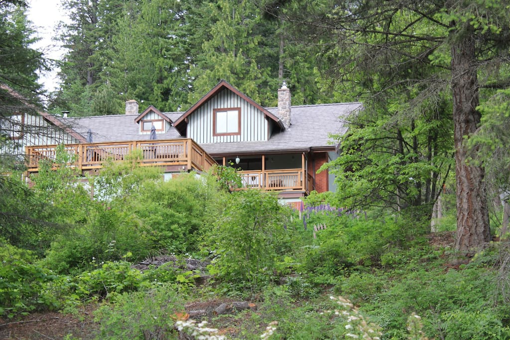 Tara shanti bed breakfast orange room chambres d 39 h tes louer kootenay bay colombie - Chambre d hotes orange ...