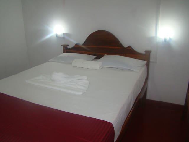Deer Garden Guest - Polonnaruwa [Double Room]
