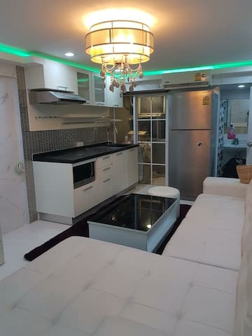 Newly renovated 2 bedroom Condominium in Bangkok