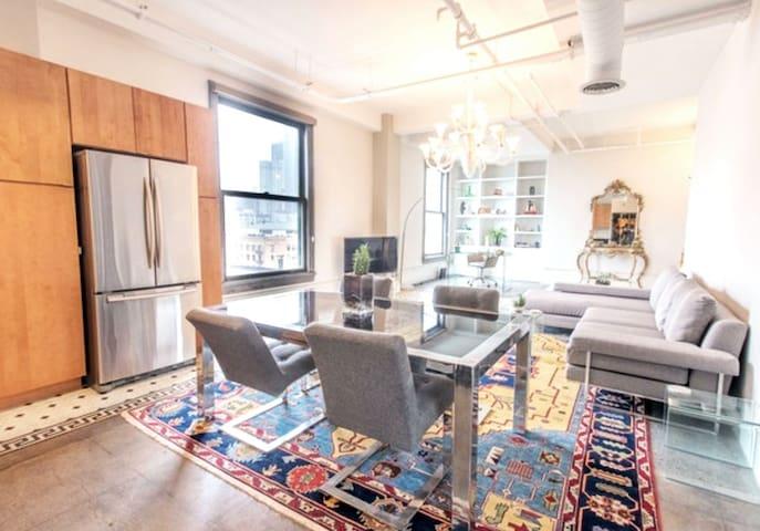 Bright & Modern Downtown Loft | Historic Core